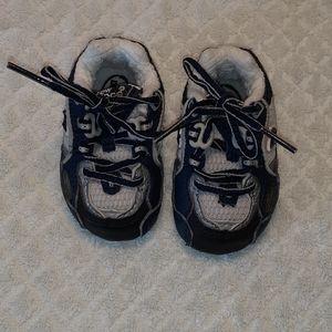 Baby Boy New Balance Blue Shoes Sz 1